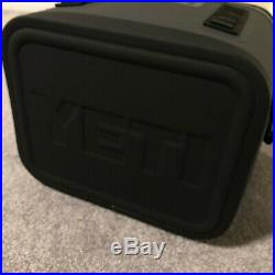 Brand New YETI Hopper Flip 12 Leakproof Soft Box Cooler Charcoal NWT Ice Beer