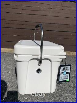 Brand New! Yeti Roadie 20 Cooler White