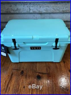 Brand New Yeti Tundra 45 SEAFOAM Hard-Side Cooler Free 2lb Yeti Ice