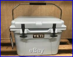 Genuine-Yeti 20 quart Roadie Cooler Ice Chest BLUE-NEW