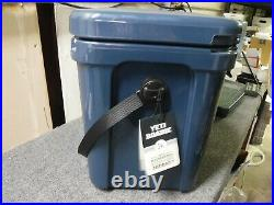 NEW YETI Roadie 24 Insulated Chest Cooler, Navy Blue (10022010000)