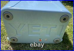 NWT ICE BLUE YETI Roadie 20 Cooler RARE HARD TO FIND-Priority Shipping
