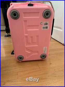 New AUTHENTIC YETI Roadie Cooler 20 LIMITED EDITION PINK SOLD OUT Baby Pink NWT