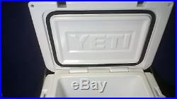 New YETI roadie 20 cooler White Limited Edition STIHL YR20W Display Model