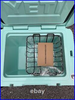 New Yeti Sea Foam Green 35 Tundra Cooler Limited Edition Discountinued RARE