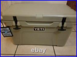 New in Box Yeti Tundra 45 Hard Cooler TAN