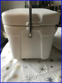 RARE Yeti Roadie 15 Quart Cooler White Tundra