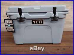 YETI 35 QT. Tundra COOLER BLUE New in the Box