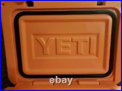 YETI Coral Limited Edition Roadie 20 Cooler Discontinued Rare Limited coral