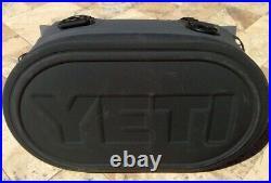 YETI HOPPER M30 Cooler Charcoal Magnatic Closure 3130