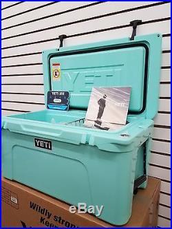 YETI Hard Cooler YETI Tundra 65 YT65S Seafoam