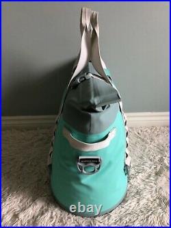 YETI Hopper M30 Soft Cooler LIMITED ED. AQUIFER BLUE! NEW witho TAGS, SEE PICS