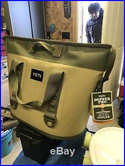 YETI Hopper TWO 30 Portable Cooler (Fog Gray/Tahoe Blue)