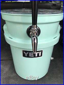 YETI LOADOUT 5 Gal Jockey Box Cooler Complete with Regulator Set-Up NEW Kegerator