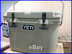YETI ROADIE 20 Hard Cooler Desert TanBRAND NEWFREE SHIPPING