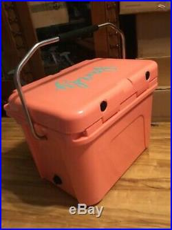 YETI Roadie 20 Cooler, Coral Limited Edition