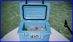 YETI Roadie 20 Cooler (Iceblue)