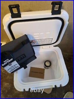 YETI Roadie 24 Hard Cooler YETI DAYTRIP BAG & YETI RAMBLER COLSTER CAN INSULATOR