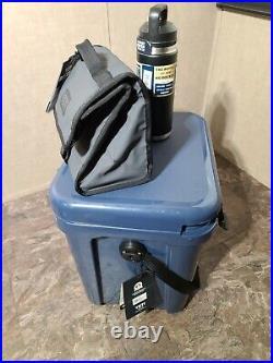 YETI Roadie 24 Hard Cooler YETI DAYTRIP CHARCOAL & YETI RAMBLER 26oz BOTTLE