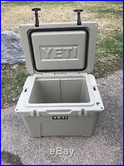 YETI TUNDRA 35 Qt Cooler withYeti Ice 2lb TAN BARELY USED EXCELLENT CONDITION