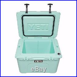 YETI Tundra 35 Qt. Heavy Duty Cooler Outdoor Camping Ice Box YETI35 Seafoam