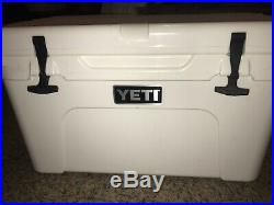 YETI Tundra 45 Cooler White With Locks