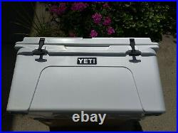 YETI Tundra 65 Cooler Used Store Display Great Condition USA made Bear Tuff