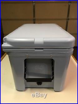 YETI Tundra 65 Qt Cooler Ice Chest YT65B Blue
