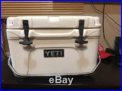 YETI roadie 25 cooler White Discontinued Model