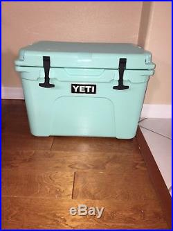 Yeti 35 Seafoam Tundra cooler! Seafoam Brand New With Tags & Booklet! NWT RARE