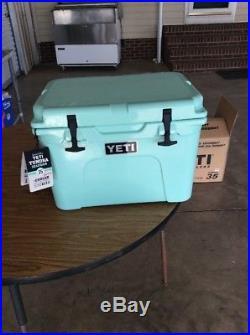 Yeti 35 Tunra Seafoam Cooler