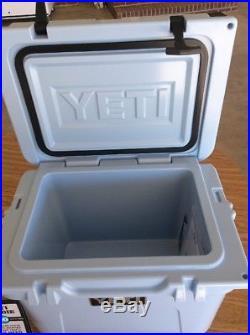 Yeti Blue 20 Roadie Cooler