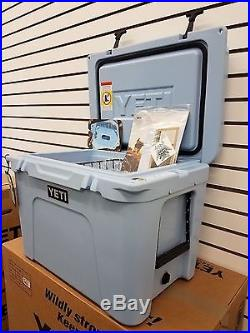 Yeti Cooler Blue Tundra 50 Cooler Size 50 New Yt50b