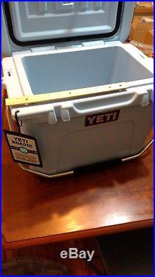 Yeti Cooler Roadie 20 New in opened Box