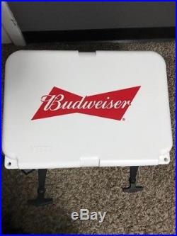 Yeti Cooler Roadie 20Qt Budweiser edition