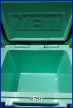 Yeti Cooler Roadie 20Qt Limited edition SEAFOAM