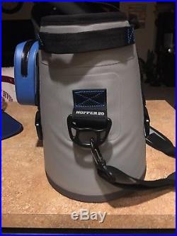 Yeti Hopper 20 Cooler, Blue & Gray Soft Bag Portable Used