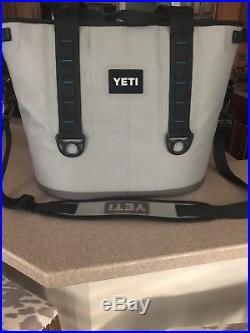 Yeti Hopper 20 Rugged Soft-sided Leakproof Ice Chest Cooler Gray