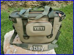 Yeti Hopper 20 Soft Side Cooler with original style sidekick Field Tan/orange