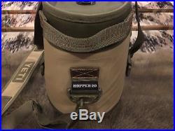 Yeti Hopper 20 Soft-sided Ice Cooler Bag Field Tan / Blaze Orange Msrp $249+tax