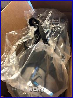 Yeti Hopper 30 Portable Cooler New in Box Fog Gray/Tahoe Blue