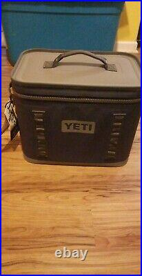 Yeti Hopper Flip 18 Portable Cooler Navy Blue, NEW