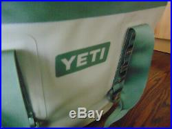 Yeti Hopper Two 20 Soft Cooler Nwot