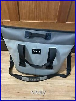 Yeti Hopper Two 30 Soft Cooler Fog Gray and Tahoe Blue with Shoulder Strap 2
