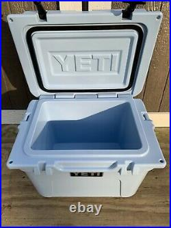 Yeti Roadie 20 Cooler Ice Blue