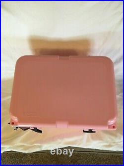 Yeti Roadie 20 Cooler Limited Edition Pink Breast Cancer Awareness