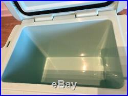 Yeti Roadie 20 Cooler Seafoam