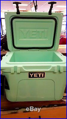 Yeti Roadie 20 Cooler Seafoam Green Limited Edition NEW