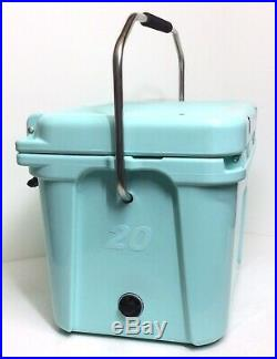Yeti Roadie 20 Cooler Seafoam Green Limited Edition New Sold Out Color