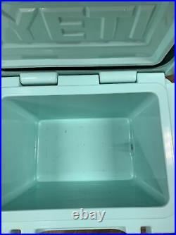 Yeti Roadie 20 Cooler Seafoam Rare Excellent Condition